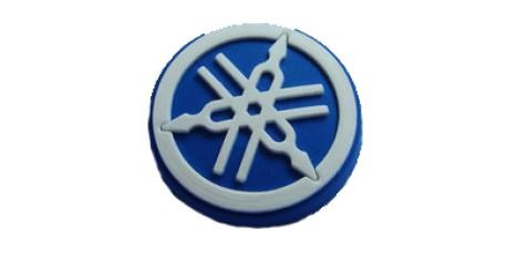 Значок байкерский резиновый YAMAHA